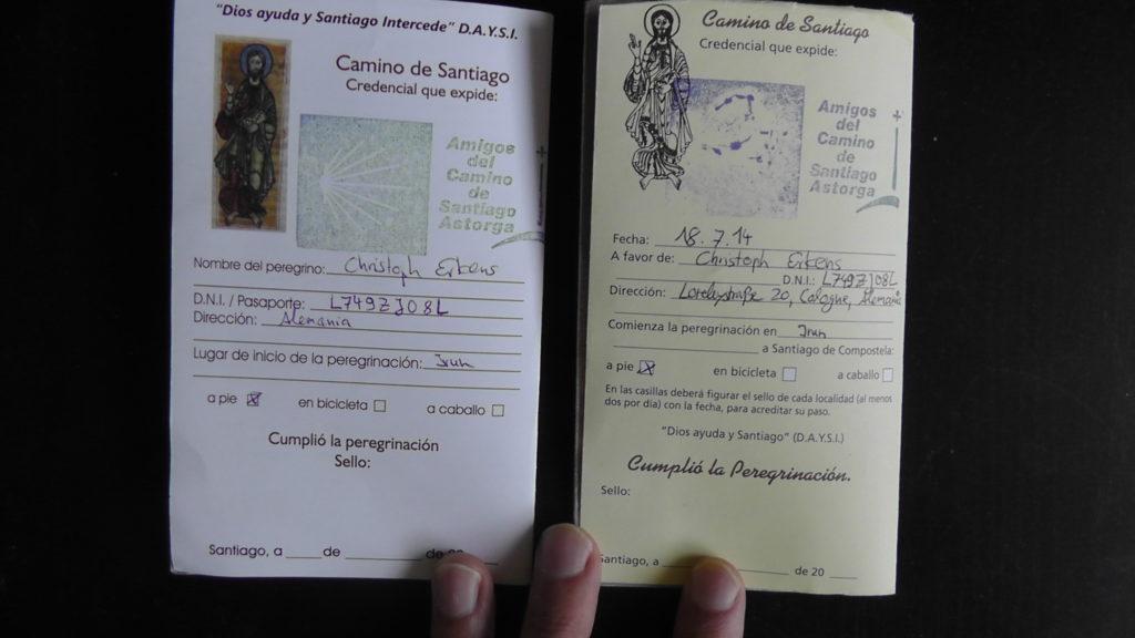 Pilgerausweis für den Jakobsweg von innen