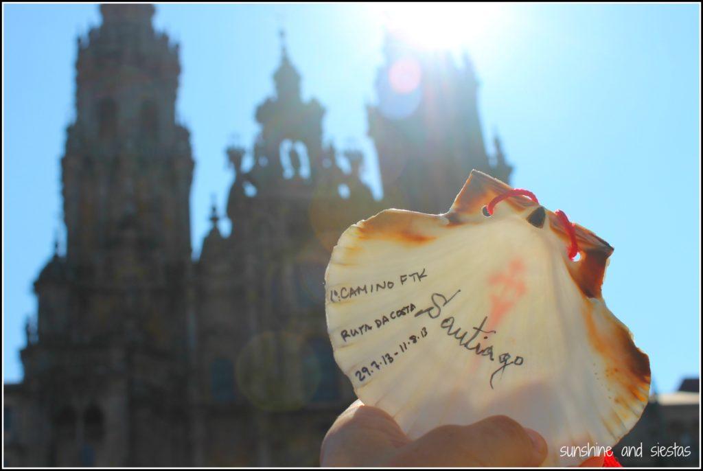 Muschel vor der Kathedrale in Santiago