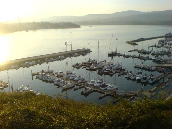 Blick auf den kleinen Hafen in Ribadeo.