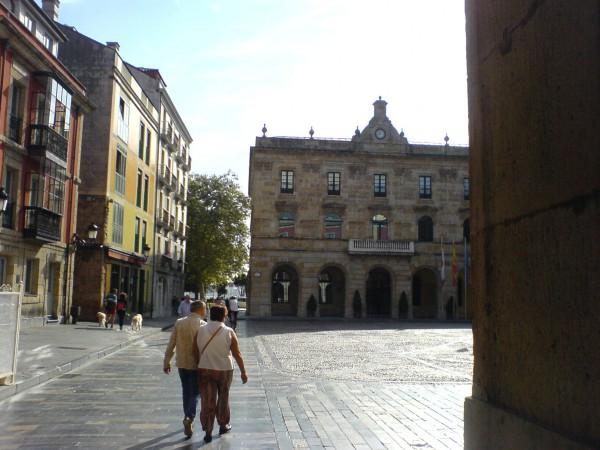 Altstadt auf der Etappe von Gijon nach Avilés.