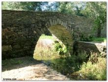 Eine alte Brücke nahe Baamonde.