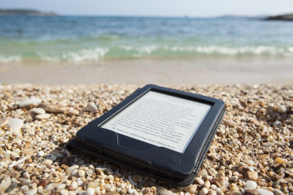 Mit einem eBook-Reader kannst du beim Pilgern Gewicht sparen