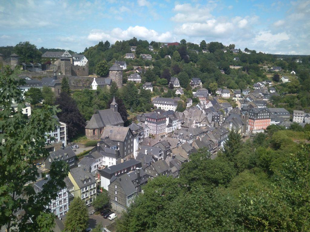 Blick von oben auf Monschau
