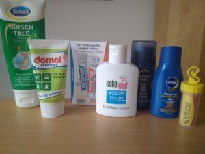 Dies ist ein Foto, das Hygiene-Artikel für die Pilger-Packliste zeigt.